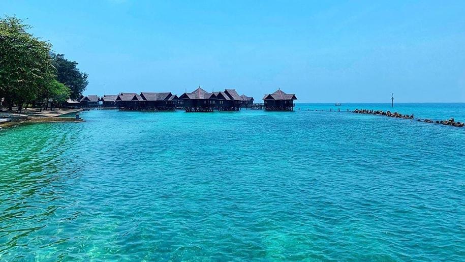liburan pulau ayer