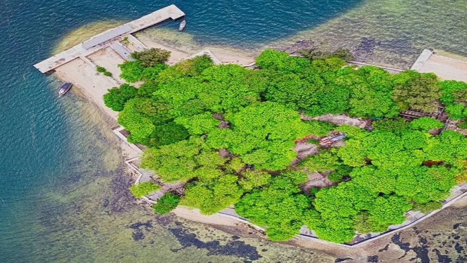 rekomendasi wisata pulau sejarah.